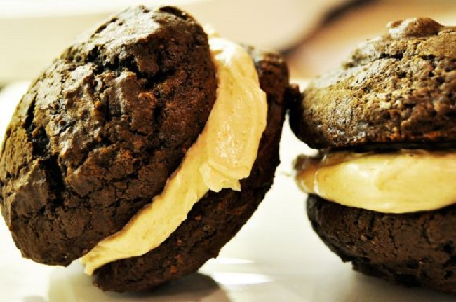 whoopie pies with salted caramel